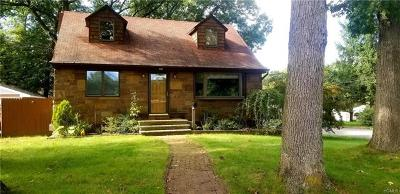 Rockland County Single Family Home For Sale: 10 Cypress Road