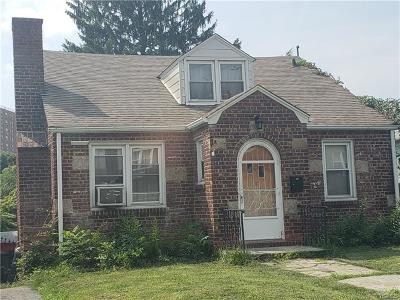 Yonkers Single Family Home For Sale: 67 Tibbetts Road