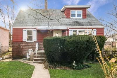 Yonkers Single Family Home For Sale: 98 Fortfield Avenue