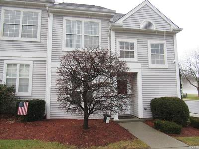 Middletown Condo/Townhouse For Sale: 15 Kendal Lane