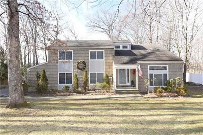 Yorktown Heights Single Family Home For Sale: 118 Timberlane Court