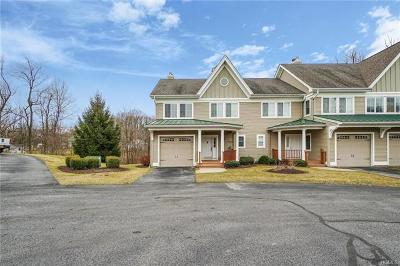 Milton Condo/Townhouse For Sale: 6 Pond Ridge Road