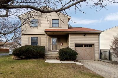 Middletown Single Family Home For Sale: 98 Commonwealth Avenue