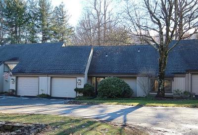 Westchester County Condo/Townhouse For Sale: 351 Heritage Hills #B