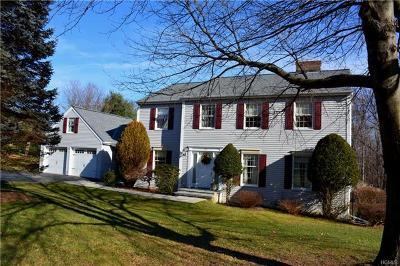 Newburgh Single Family Home For Sale: 136 Frozen Ridge Road