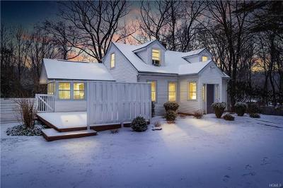 Westchester County Single Family Home For Sale: 26 Trinity Lane