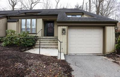 Westchester County Condo/Townhouse For Sale: 431 Heritage Hills #D