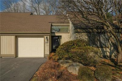 Somers Condo/Townhouse For Sale: 582 Heritage Hills #F