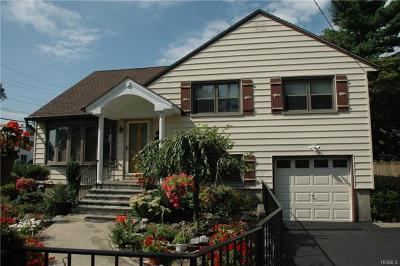 Yonkers Single Family Home For Sale: 217 Roundhill Drive