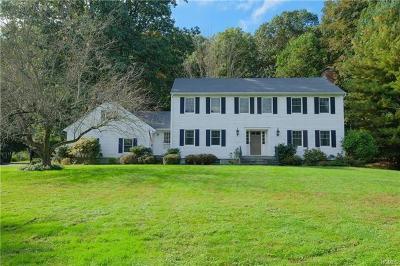 Mount Kisco Single Family Home For Sale: 15 Fox Den Road