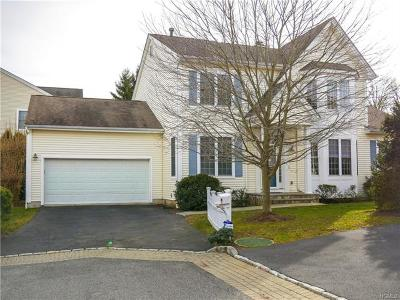 White Plains Single Family Home For Sale: 107 Vintage Court