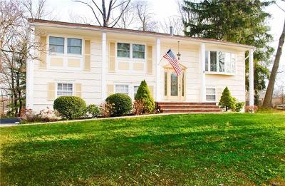 Rockland County Single Family Home For Sale: 12 Claremont Lane