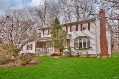 Valley Cottage Single Family Home For Sale: 86 Branchville Road