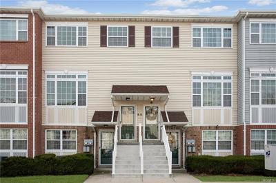 Bronx Condo/Townhouse For Sale: 127 Beacon Lane