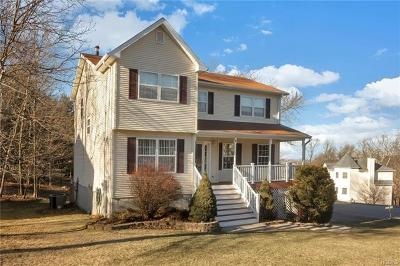 Monroe Single Family Home For Sale: 6 Cambridge Circle