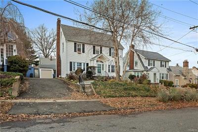 White Plains Single Family Home For Sale: 30 Linda Avenue