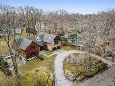 Pelham Single Family Home For Sale: 28 Priory Lane