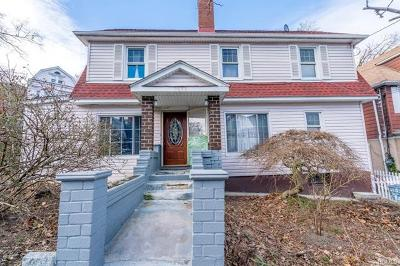 North Riverdale Single Family Home For Sale: 5653 Post Road