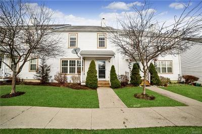 Dutchess County Condo/Townhouse For Sale: 78 Kings Way