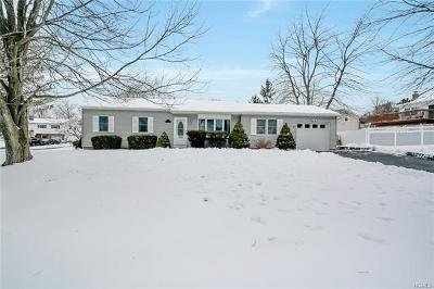 Washingtonville Single Family Home For Sale: 4 Patriot Lane