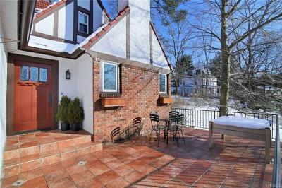 White Plains Single Family Home For Sale: 1159 Dobbs Ferry Road