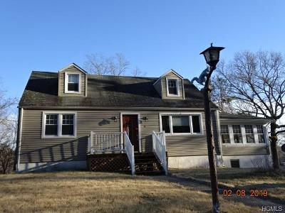 Single Family Home For Sale: 14 Julie Lane