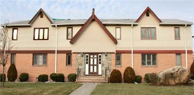 Rockland County Condo/Townhouse For Sale: 16 Milford Lane #7R