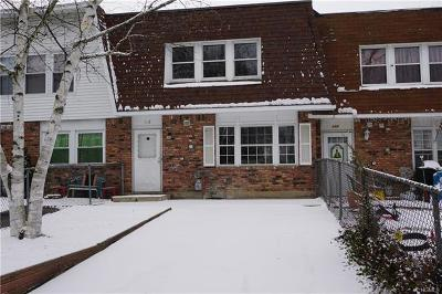 Middletown Single Family Home For Sale: 112 Patio Road
