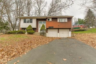 Rockland County Single Family Home For Sale: 32 Beckett Court