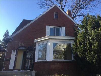 Westchester County Single Family Home For Sale: 240 Tecumseh Avenue