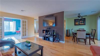 Condo/Townhouse Sold: 706 Bentley Court