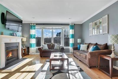 Connecticut Condo/Townhouse For Sale: 27 Lawrence Avenue