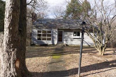 Putnam County Single Family Home For Sale: 63 Perks Boulevard