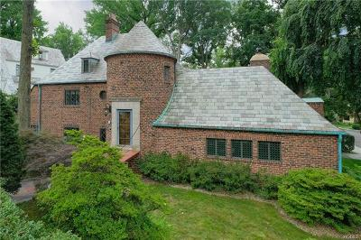 New Rochelle Single Family Home For Sale: 111 Wildwood Road