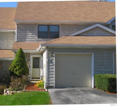 Mahopac Condo/Townhouse For Sale: 9 Penelope Court