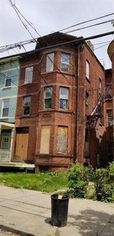Newburgh Single Family Home For Sale: 52 Dubois Street
