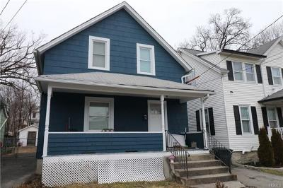 Newburgh Single Family Home For Sale: 74 Maple Street