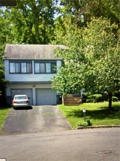 New Windsor Single Family Home For Sale: 107 Shaker Court North