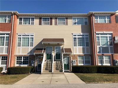 Bronx Condo/Townhouse For Sale: 122 Surf Drive #468