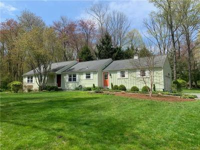 Westchester County Single Family Home For Sale: 5 Deer Run Road