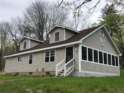 Pine Bush Single Family Home For Sale: 33 Marl Road