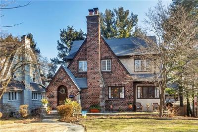New Rochelle Single Family Home For Sale: 85 Faneuil Place