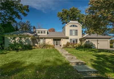 Mamaroneck Single Family Home For Sale: 870 Pirates Cove