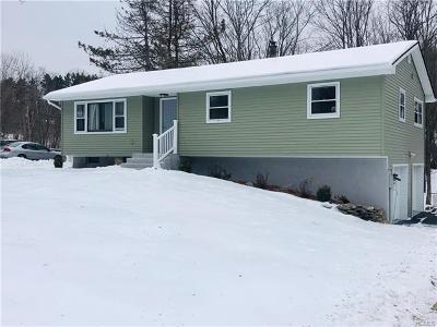 Middletown Single Family Home For Sale: 11 Cornfield Road