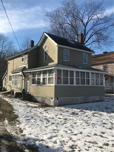 Middletown Single Family Home For Sale: 235 Route 211 West