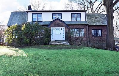 Pelham Single Family Home For Sale: 250 1st Street