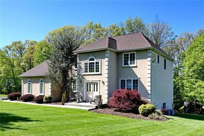 Rockland County Single Family Home For Sale: 44 Powder Horn Drive
