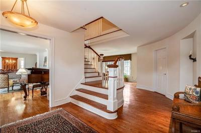 Larchmont Single Family Home For Sale: 8 Lyons Place