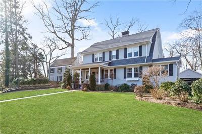 Pelham Single Family Home For Sale: 71 Young Avenue