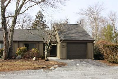 Somers Condo/Townhouse For Sale: 109 Heritage Hills #B